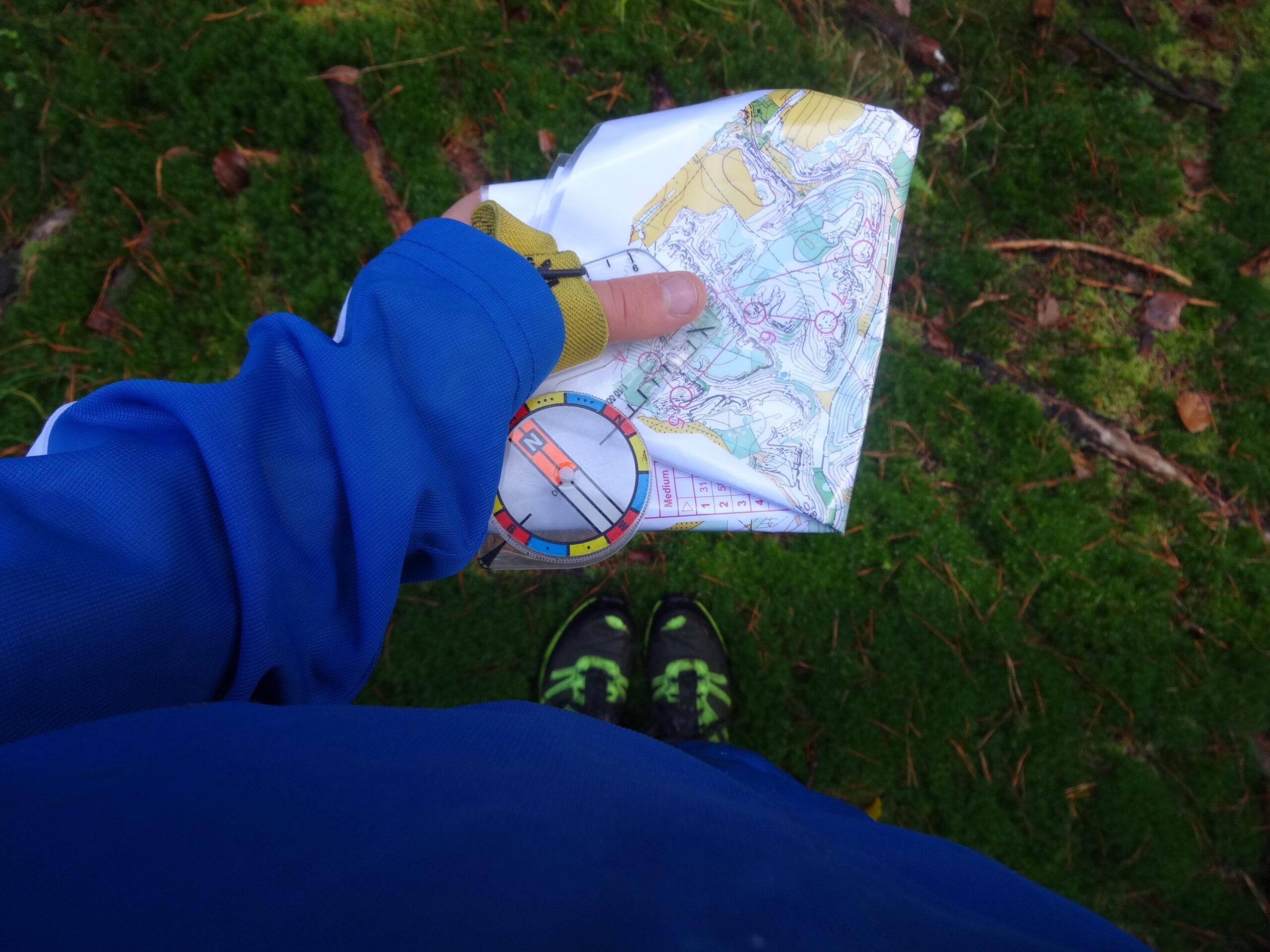 Kort og kompas prøv orienteringsløb